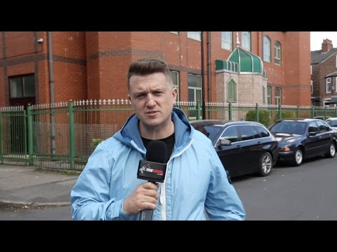 """Tommy Robinson in Manchester: """"Politicians have sold us out"""""""