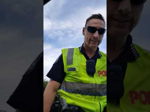 QLD Police Officer Testing Man on Lawful Rights