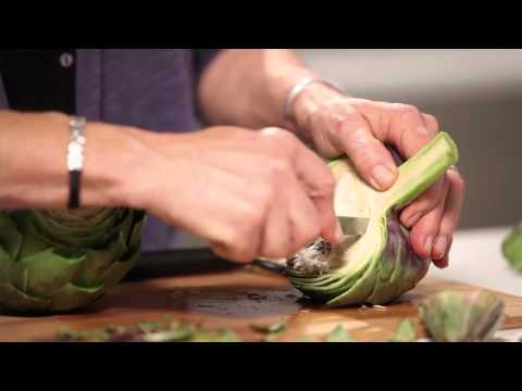 Cómo preparar una alcachofa para cocinarla. Consejo de comida saludable de Herbalife. HD