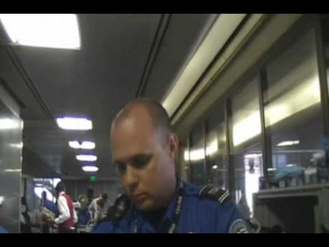 4409 -- TSA photocopies a mans credit cards and other personal documents