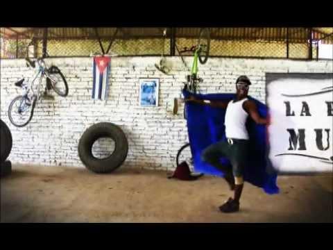 REGGETON EN LA MAYA SANTIAGO DE CUBA JAKA  VIDEO PARTY LOCO original.avi
