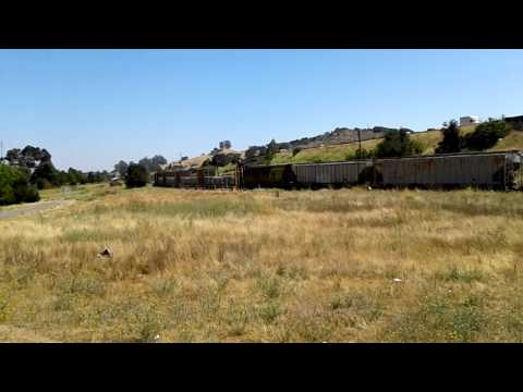 NB into Petaluma with ballast cars HD