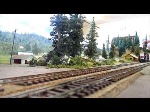 Railfanning the Eel River Valley Model Railroaders layout