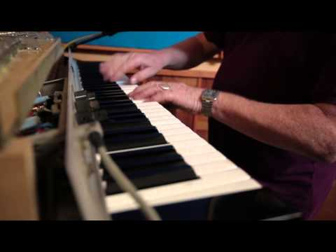 Jeff Golub with Brian Auger - Train Keeps A Rolling (2013)