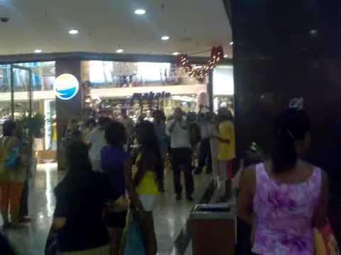 Protesto Shopping Barra by RafaVictoria