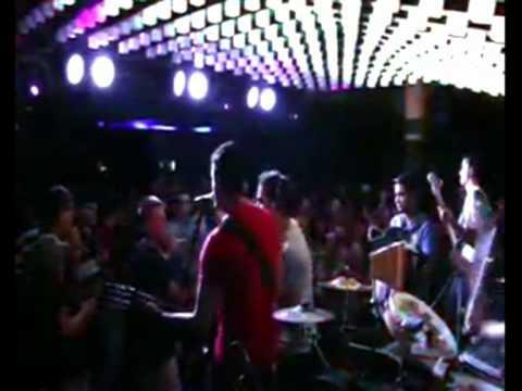 ESCORREGUE REGGAE - BANDA ALA URSA (LIVE - AO VIVO 2010) BOB MARLEY