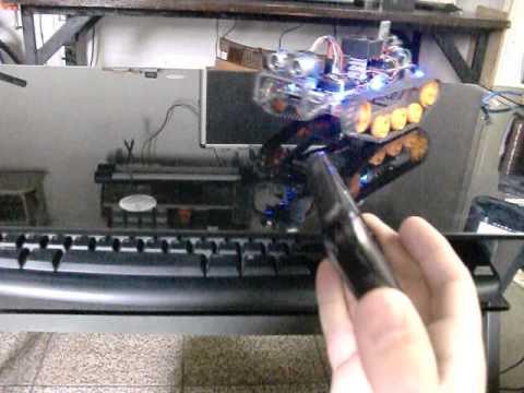 Rover Tank controlado por acelerômetro do celular