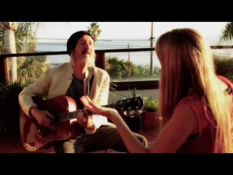 Новые Энергии… Дева Премал и Миттен с песней «В Свете Любви»