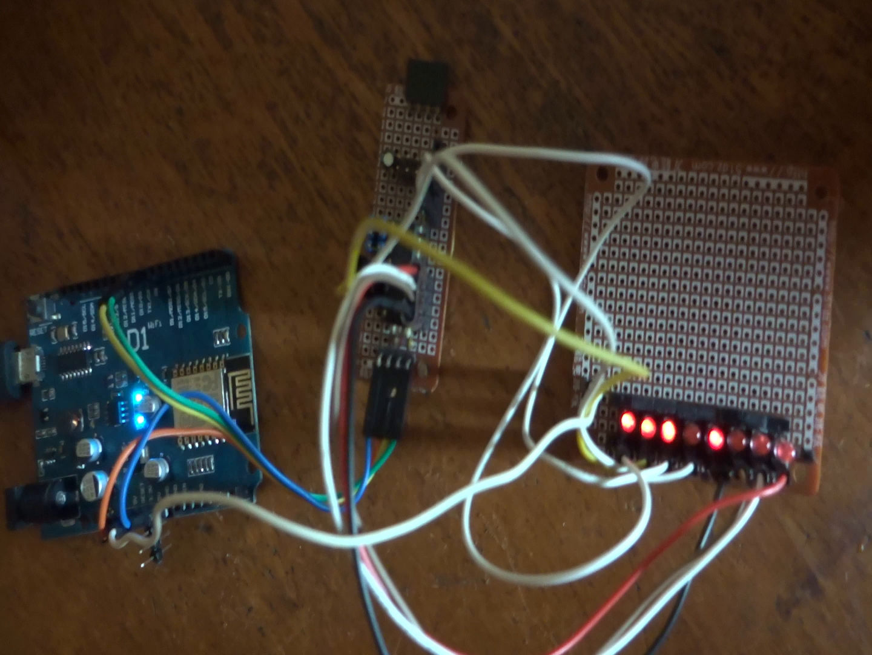 ESP8266 + PCF8574 + 8 LEDs