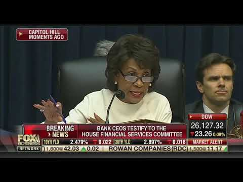 Maxine Waters questions bankers on student debt