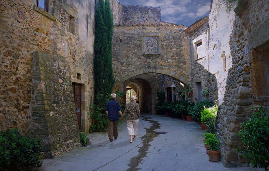 Monells, pueblo medieval, Girona (Catalunya)