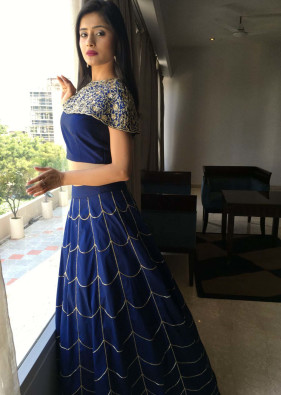 Vaishali Takker in royal blue lehenga