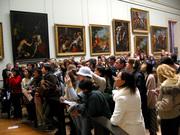Crowd_at_Mona_Lisa