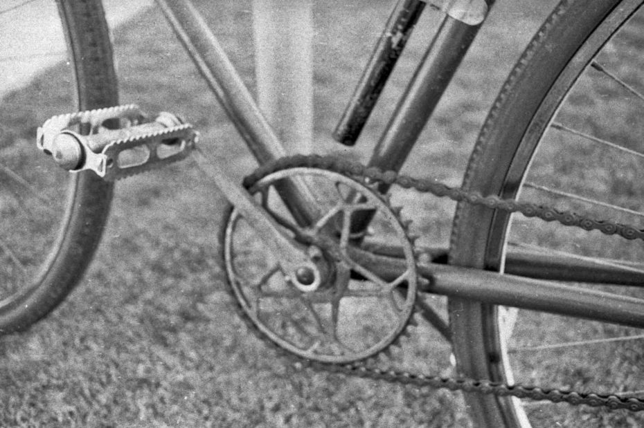Alcon circa 1930 bicycle drive detail 76_912
