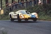 Porsche 907 at the Brunchen