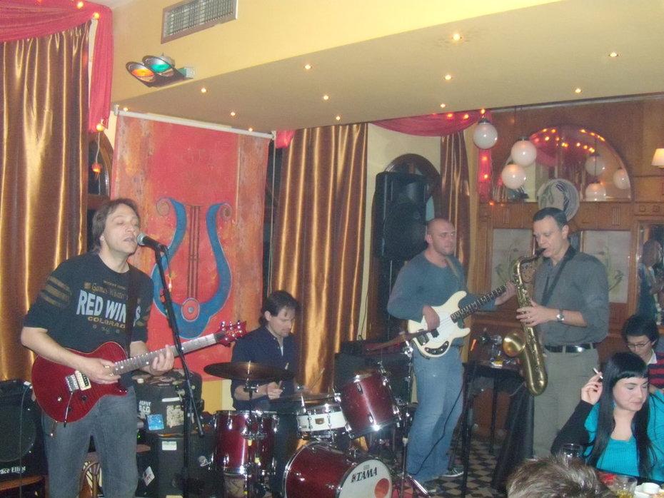 Nick & the Βackbone με τον γιατρό στο σαξόφωνο