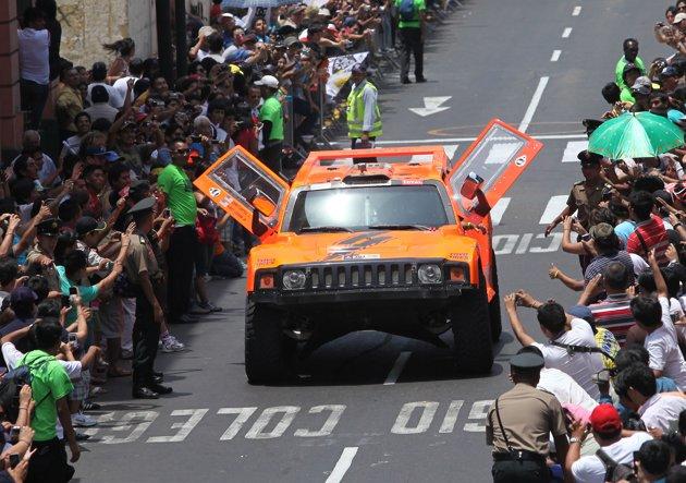 2012 Dakar Rally Stage 14 Parade