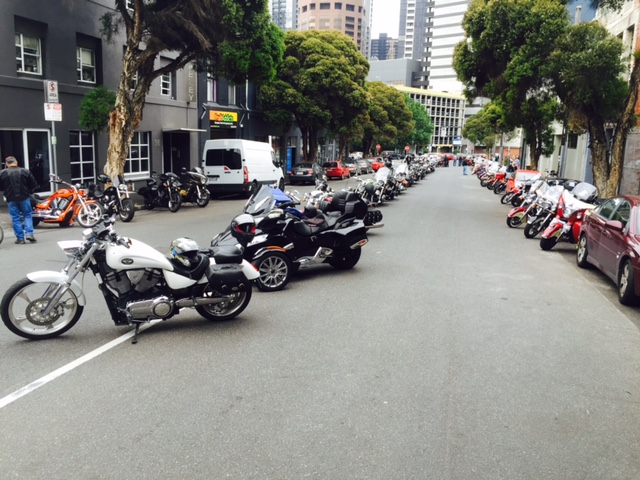Melbourne Victory-Indian Xmas ride 2015 over 110 bikes