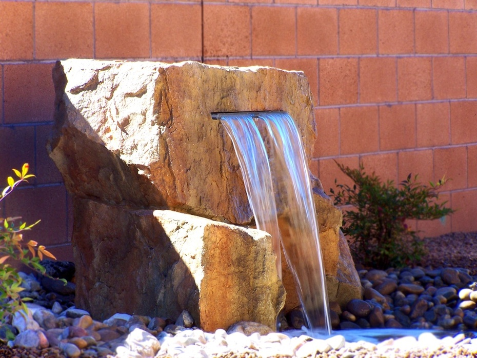 Panel water feature