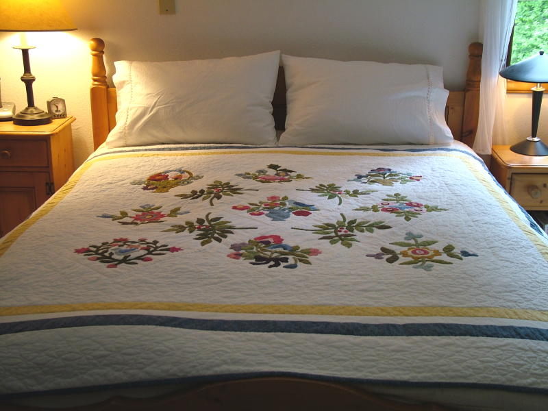Applique Quilt 2