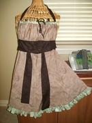 Frilly Reversible Apron