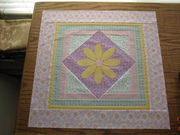 CT Daisy wall quilt