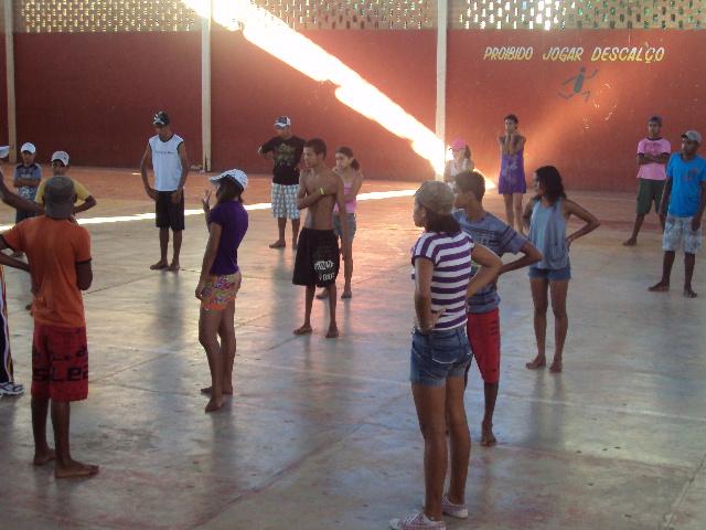 """Ensaio do Grupo de Dança e Teatro """"Furacão Dance"""" de Catuji"""
