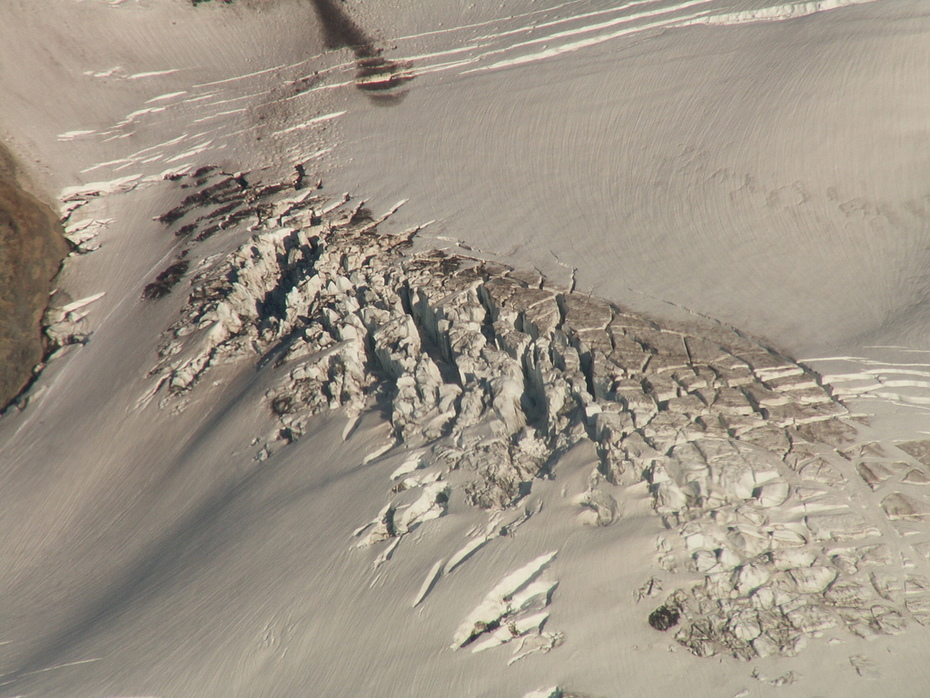 Nisqually Glacier, Mt Rainier
