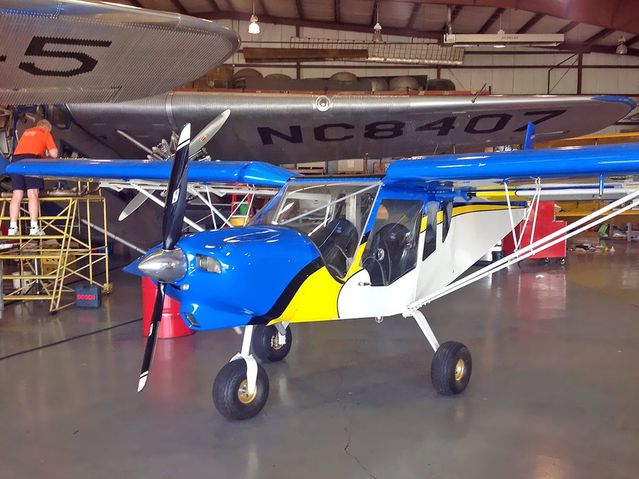 EAA staff members build Zenith CH750