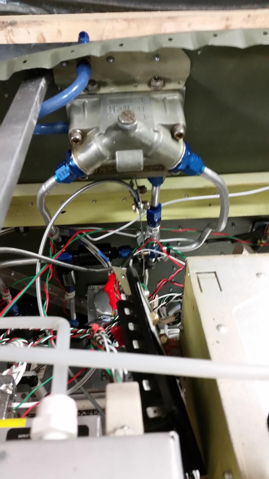 Float bowl header tank