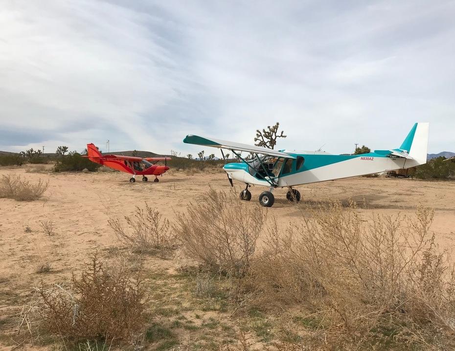A Cruzer and a STOL deciding where to go next in the California Hi Desert.