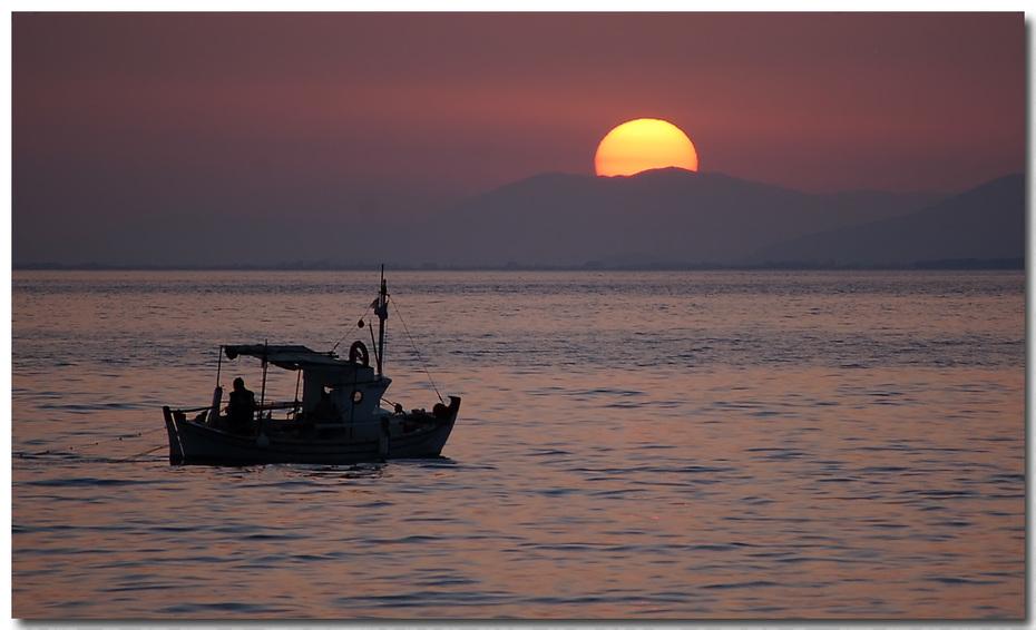Ψάρεμα στο ηλιοβασίλεμα