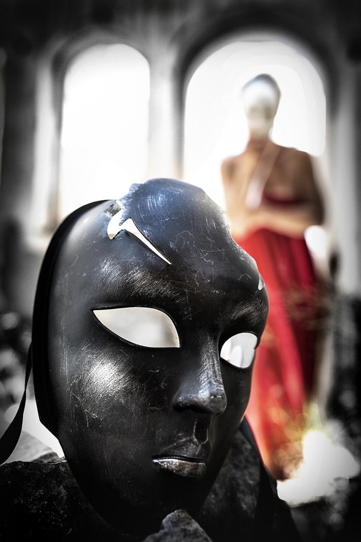 Είναι ευκολότερο να αγωνίζεται κάποιος για τις αρχές του, παρά να ζει σύμφωνα με αυτές - Alfred Adler