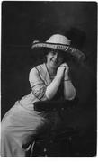 Jane Viola Moore Harrop smiling