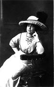 Jane Viola Moore Harrop with hat