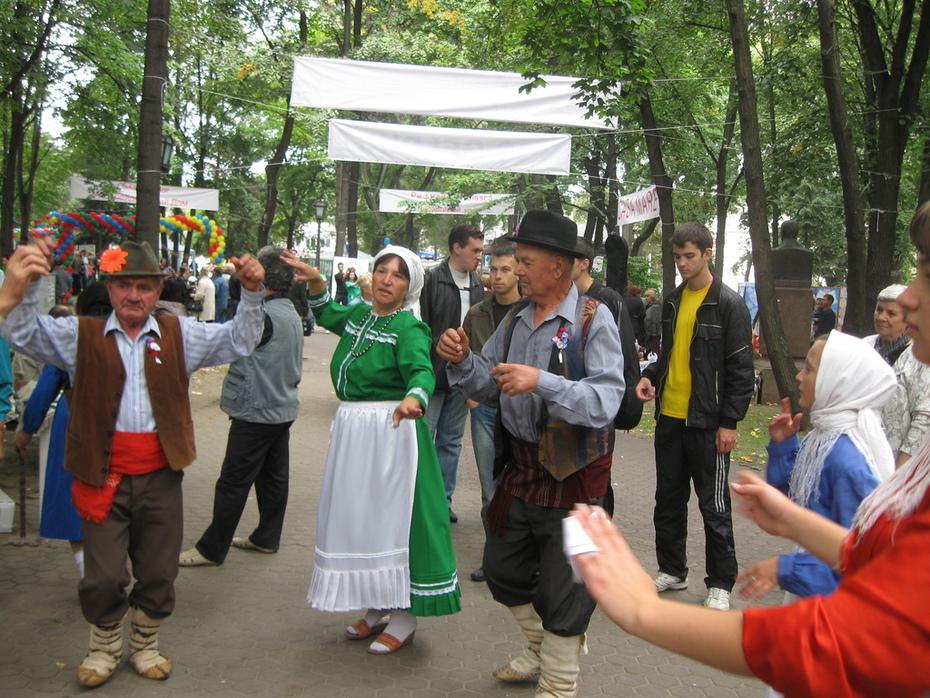 добри исполнители на народни танци
