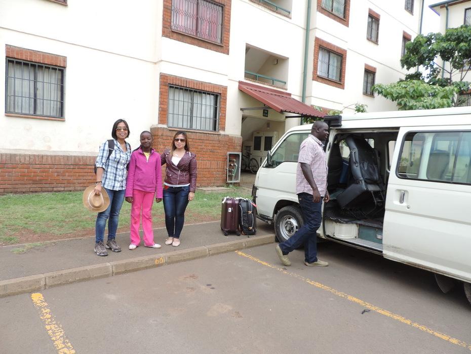 YHA Kenya Travel, Nairobi,Things to see and do in Nairobi, Guided Nairobi tours, Nairobi Sight Seeing tours, Bomas of Kenya, Mamba Village, Day  Excursions, Giraffe Cen (8)