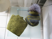 Schal + Mütze mit Fellbommel