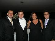 Irmãos e mamãe!