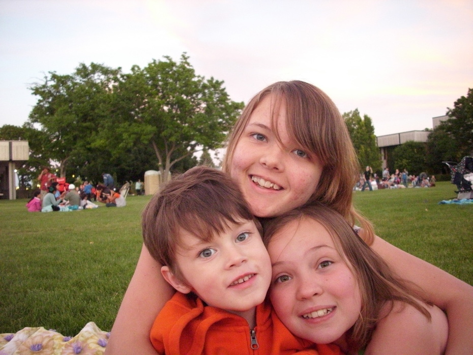 Kylie, Tanner, Madison 2010