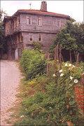 Sile woody houses