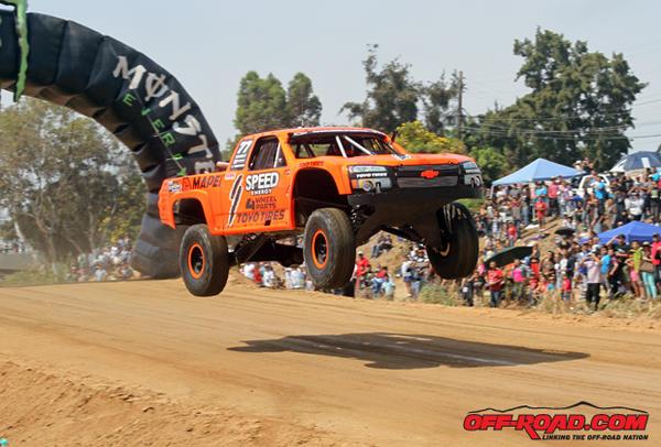 Robby-Gordon-Jump-Start-SCORE-Baja-500-6-1-13