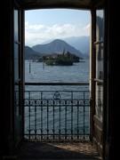 Through the window.. Isola dei pescatori