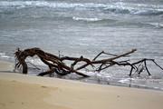 Άνιση μάχη με τα κύματα