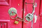 Πόρτες ερμητικά κλειστές