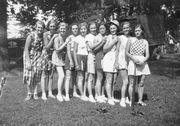 Ball team Ruth in center