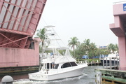 el barco y el puente