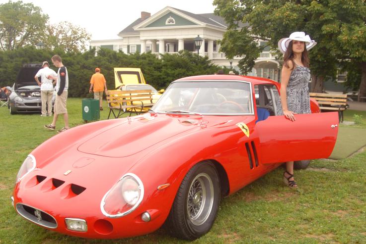 Cortile Pittsburgh Ferrari