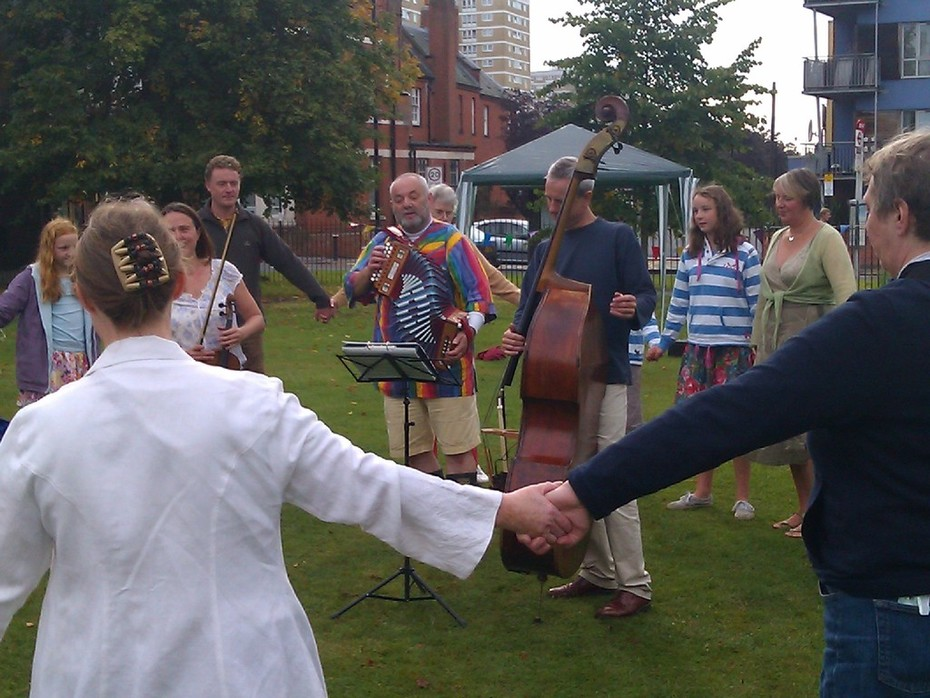 Friends of Woodside Park Jazz Picnic and Folk dancing