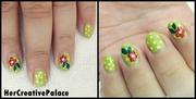 Daisy flowers nail art